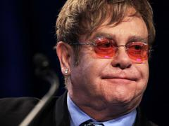 Elton John Tells Russia To End Gay Discrimination At His Moscow Concert